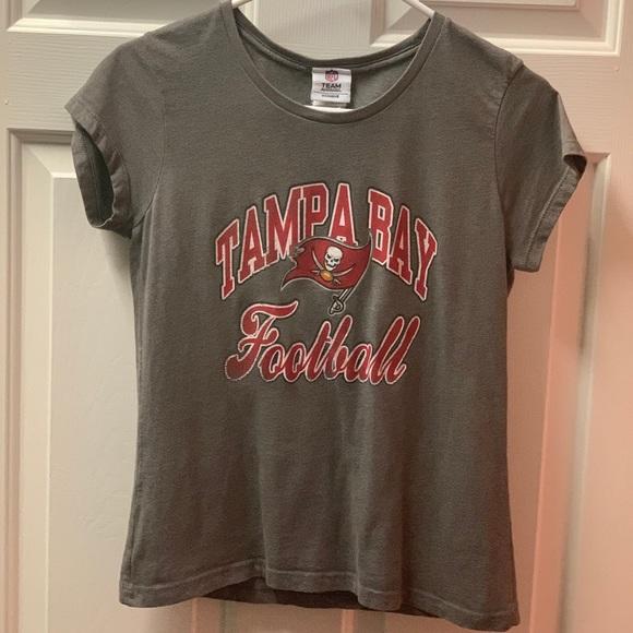 NFL Tops   Tampa Bay Buccaneer Football Tshirt From Gear   Poshmark